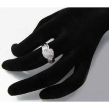 Strieborný prsteň so zirkónmi KPS113