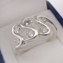Strieborný prsteň so zirkónmi KPS129