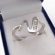 Strieborný prsteň KPS093